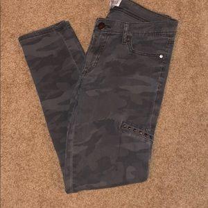 F21 Gray Camo Skinny Pant